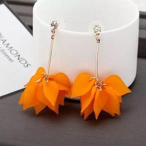 Jewelry - Gold Orange Flower Drop Earrings